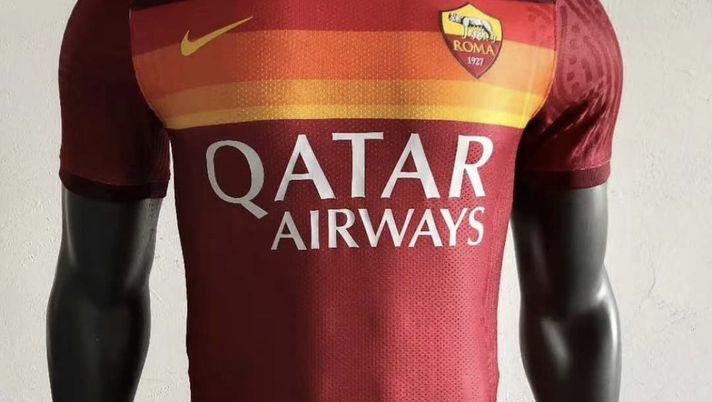 Roma, nuovi dettagli sulla maglia home 2020/21 – FOTO - Forzaroma ...