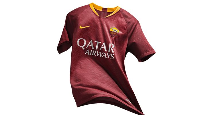 Roma, ufficiale la maglia casalinga 2018-19. Sarà in campo con la ...
