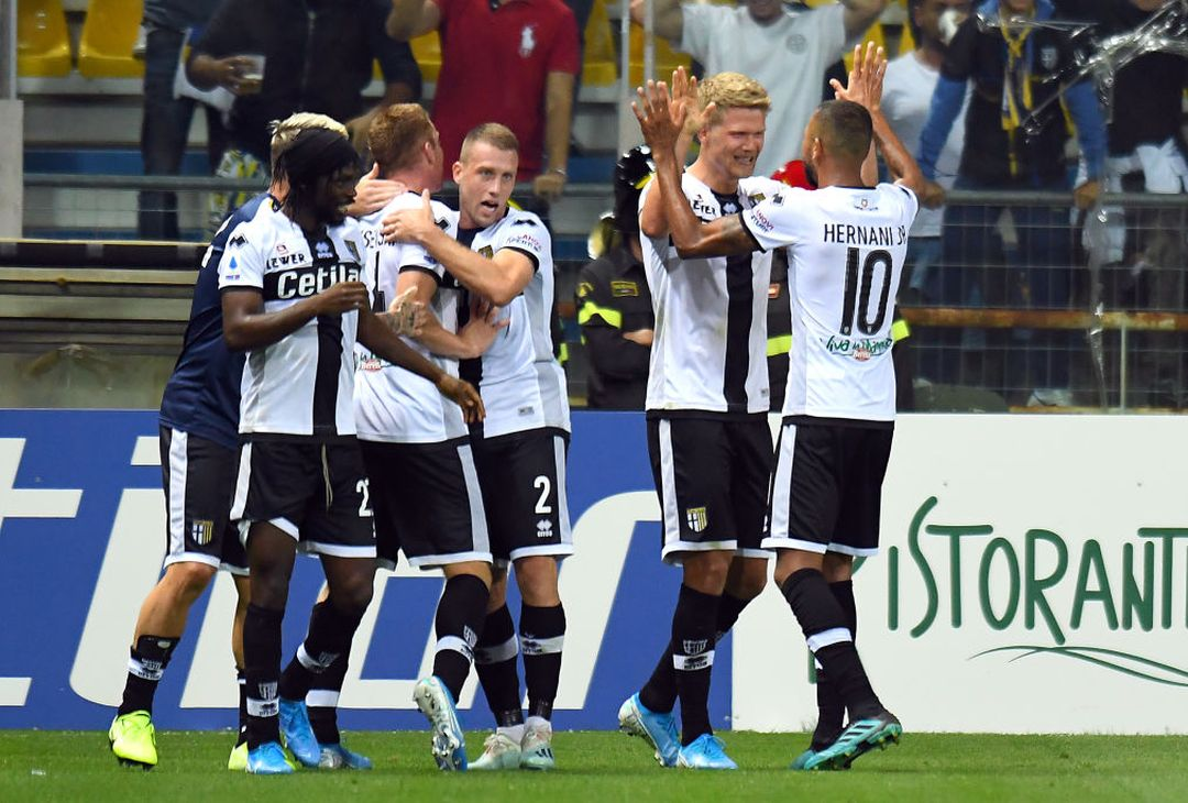 PARMA, ITALY - SEPTEMBER 30:  Andreas Cornelius of Parma Calcio  celebrates after scoring the 2-2 goal during the Serie A match between Parma Calcio and Torino FC at Stadio Ennio Tardini on September 30, 2019 in Parma, Italy.  (Photo by Alessandro Sabattini/Getty Images)