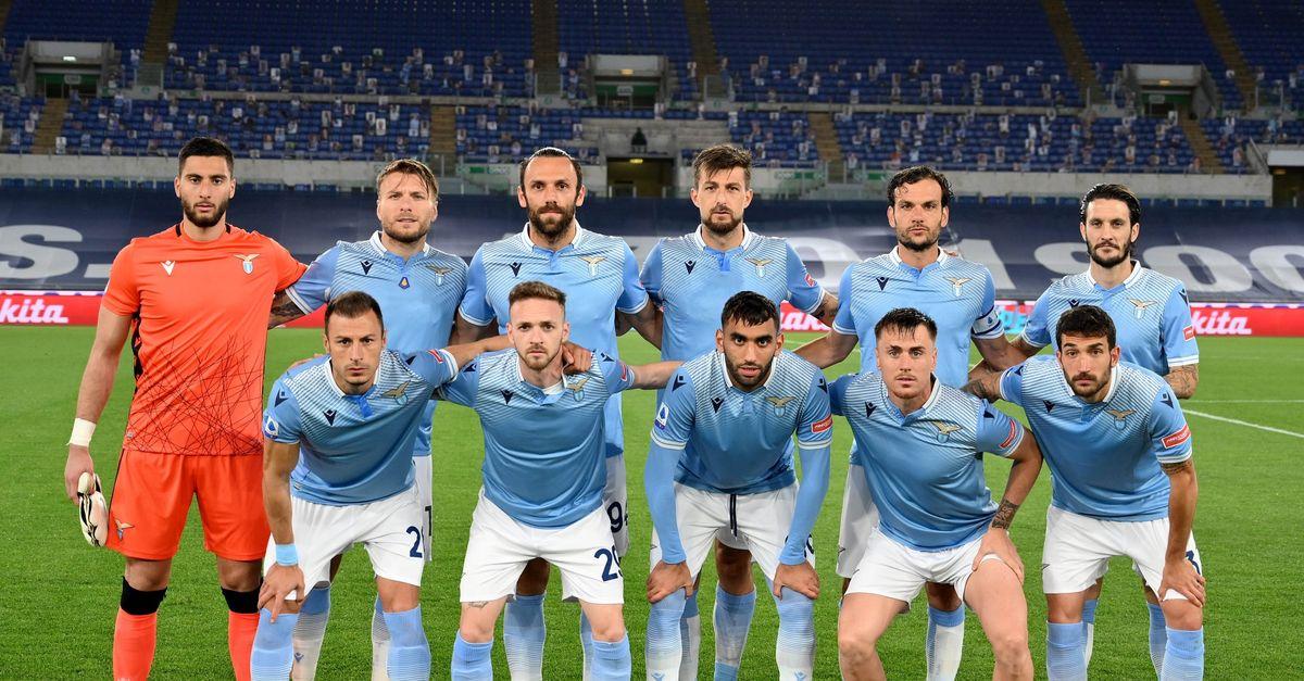 Lazio, Felipe, Strakosha e Caicedo posano con la prima maglia ...