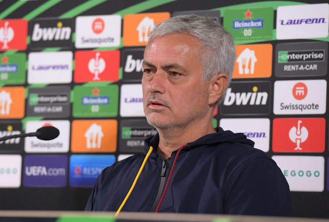 Zorya-Roma, la conferenza stampa di Mourinho e Shomurodov – FOTO GALLERY -  Forzaroma.info - Ultime notizie As Roma calcio – Interviste, foto e video