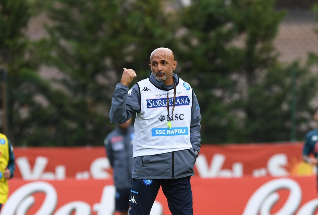 DIMARO, ITALY - JULY 15: Luciano Spalletti of Napoli during an SSC Napoli training session on July 15, 2021 in Dimaro, Italy. (Photo by SSC NAPOLI/SSC NAPOLI via Getty Images)